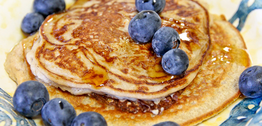 protein pancakes with blueberries
