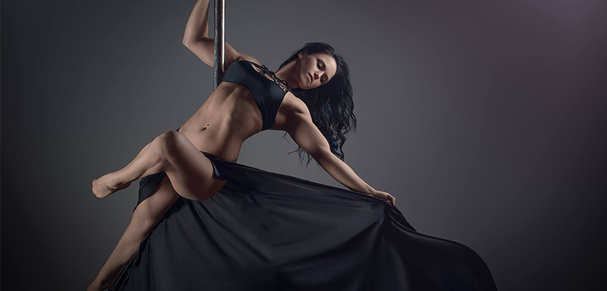 Sarah Scott is an XPERT pole and aerial fitness instructor