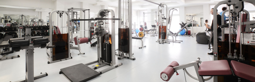 Qualified personal trainers can work in gyms and health clubs